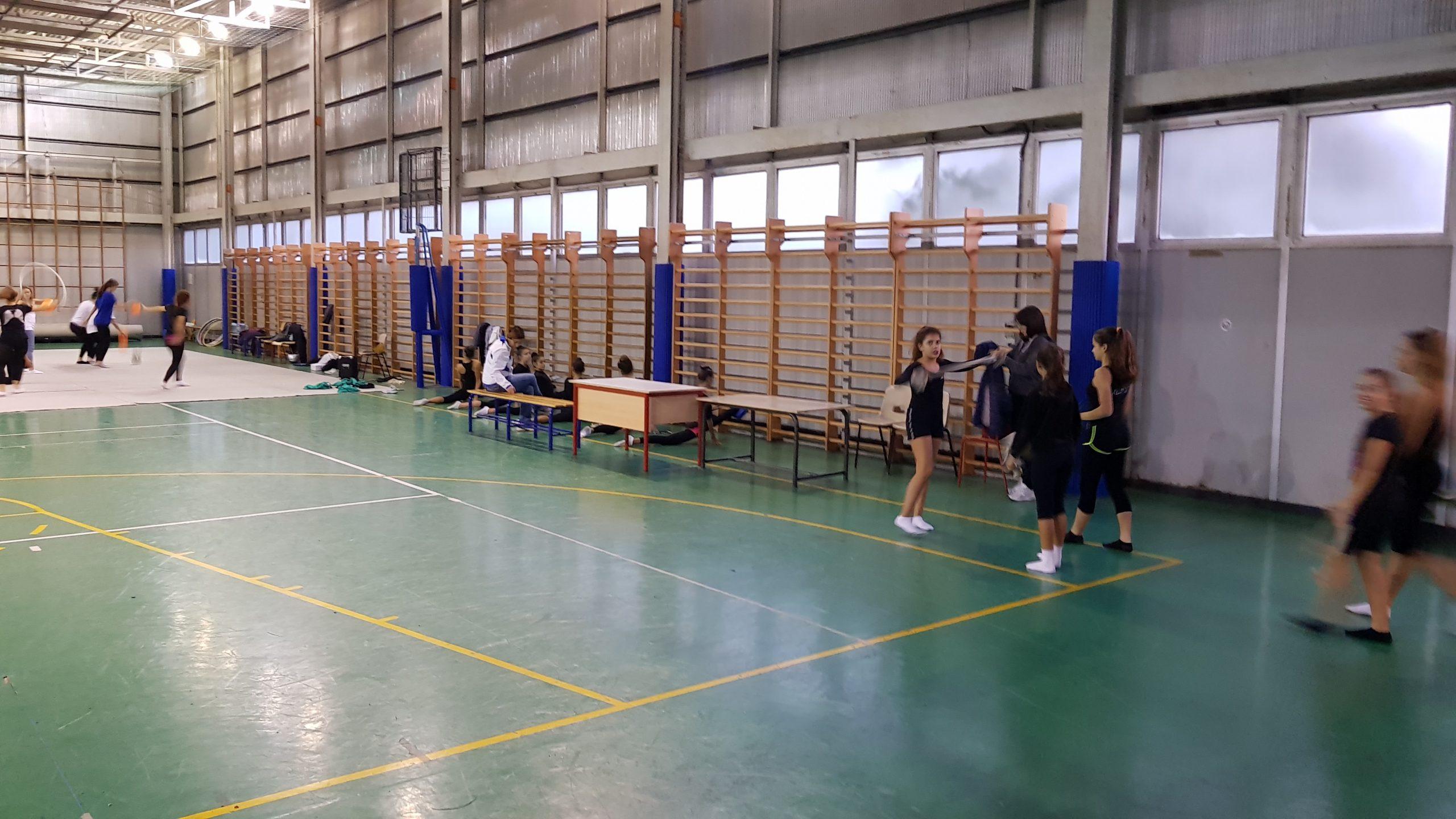 Protezioni sportive antitrauma per parapetti/recinzioni/balaustre/ringhiere/barriere per impianti sportivi